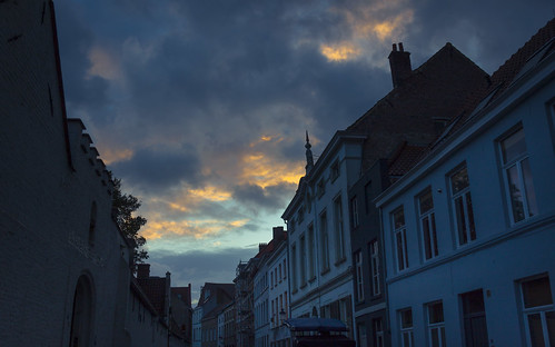 The Blue Hour (Bruges, Belgium) - Photo : Gilderic