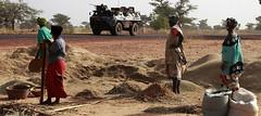 (Les prises de Gao et de Tombouctou par les armées française et malienne ne signifient pas la fin des hostilités contre les groupes armés. Reste à savoir quel sera l'engagement de la France dans les opérations à venir.Crédit photo. Eric Gaillard / reuters)
