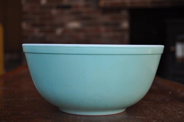 Turquoise Pyrex Mixing Bowl