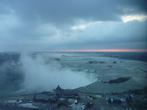 Horseshoe falls - dawn