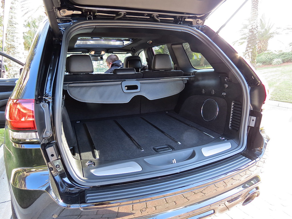 2014 Jeep Grand Cherokee SRT-8 Trunk