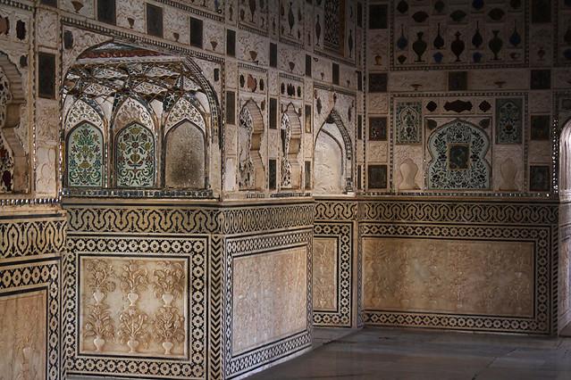 Glass Palace - Amer Fort