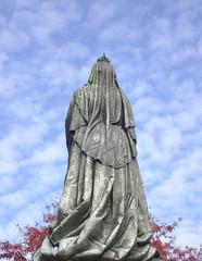 Photo of Queen Victoria statue