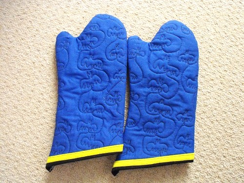 batman oven mitts 1