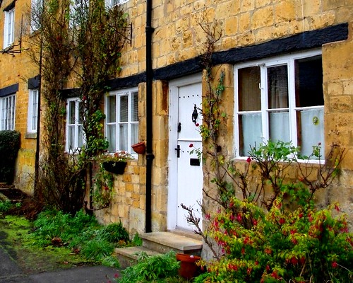 20121202-03_Cotswold Cottages - High Street - Blockley by gary.hadden