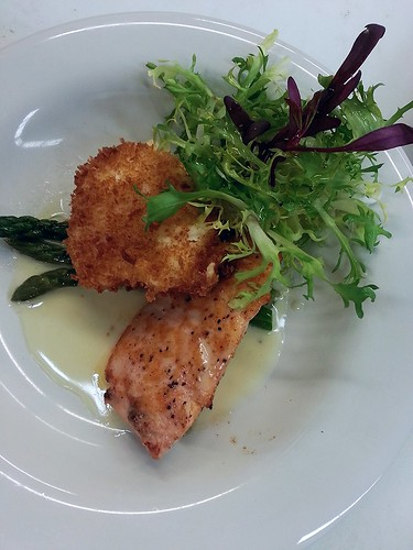 deep fried poached egg over grilled salmon, asparagus and beurre blanc sauce by pipsyq
