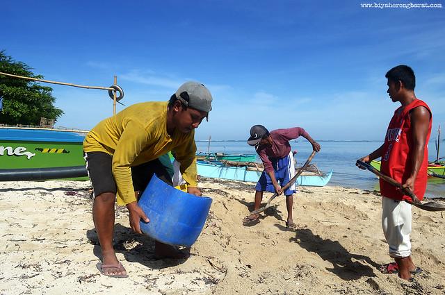 Residents of Maglawa Island Palauig Zambales