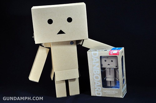 Big Scale Danboard Cardboard Assembling Kit Review (62)