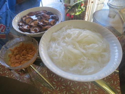 Stir fried glass noodles