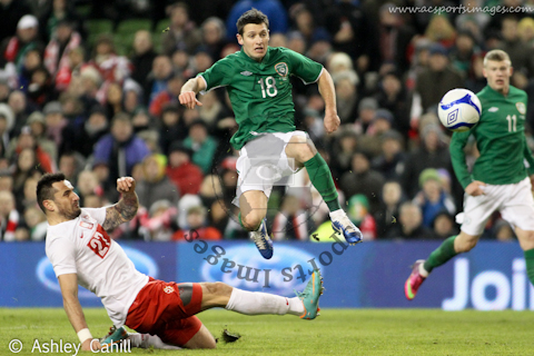 Wes Hoolahan fires home Irelands second goal