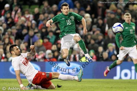 Wes Hoolahan fires home Irelands second goal
