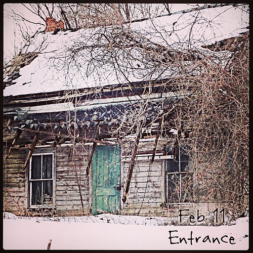 Feb 11 - entrance {or rather a 'forgotten' entrance} #fmsphotoaday #princeedwardcounty