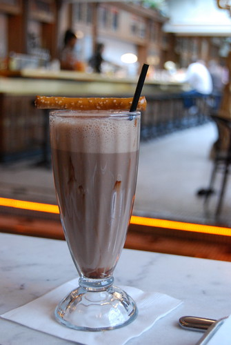 Chocolate egg creme