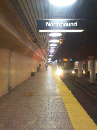 Train entering Dupont station, northbound