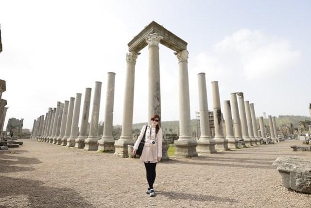 很多遺跡群中都會有 Agora (市集) 這一個區塊,但佩爾蓋 (Perge) 的這個 Agora 不僅佔地廣大,保留下來的柱子也十分壯觀。
