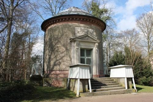 2013.03.09.269 - SCHWETZINGEN - Schwetzinger Schlossgarten - Tempel der Waldbotanik