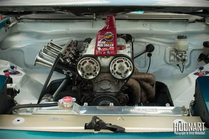 Miata engine with individual throttle bodies