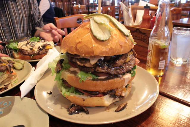 2 lb Burger @ Two Parrots Perch & Grill Burger Challenge