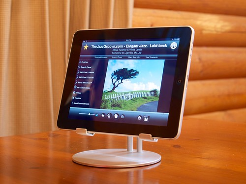 Just Mobile Upstand and iPad Wi-Fi 32GB