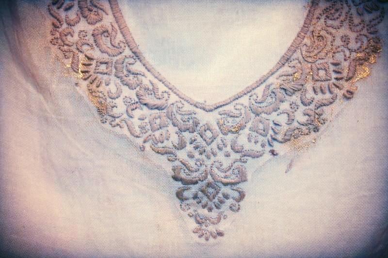 cuello bordado