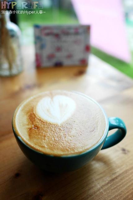 29021955243 5bebaec6a4 z - 工業風裝潢x豐盛早午餐讓心和胃都好飽足,來好拍又好吃又健康的《Heynuts Café 好堅果咖啡》根本一舉二得!!