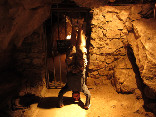 34. jenolan caves headstand
