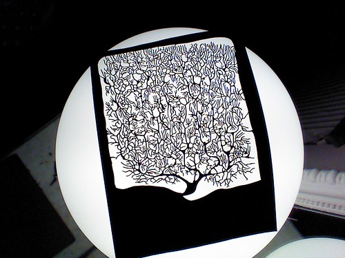 Reproducción en kirie de una neurona de Santiago Ramón y Cajal