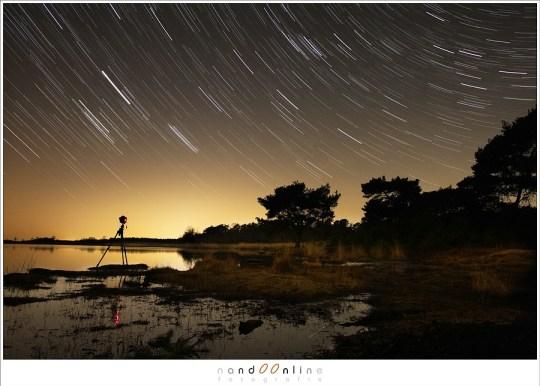 Geen vallende sterren; er is toch een resultaat van al die opnamen als je ze combineert tot een startrail foto
