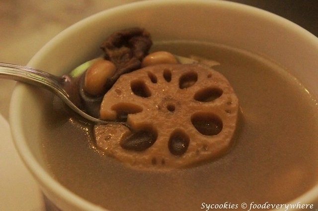12.mum's place -Lotus Root Soup with Groundnuts and Chicken Fillet RM 14.80 per portion serves 4 (3)