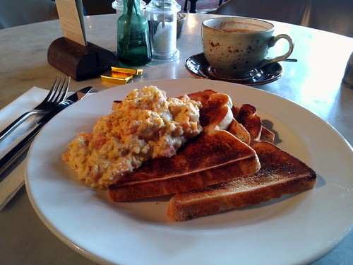Scrambled eggs ans white sliced toast!? by MadeleineS