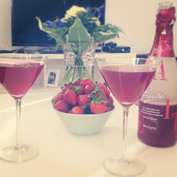 #summer2013 #summer #strawberry #fresita #sparklingwine #instadaily