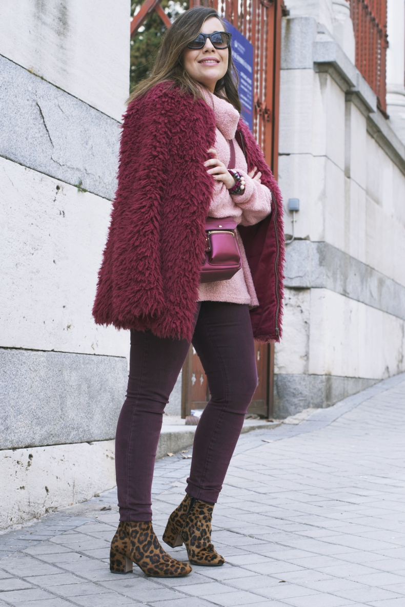 burgundy-outfit