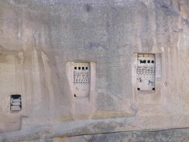 Turquie - jour 21 - Vallées de Cappadoce  - 164 - Çavuşin, Kızıl Çukur (vallée rouge) - Pigeonniers