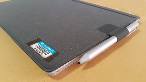 Type cover เป็นฝาปิดตัวเครื่อง Surface Pro 3 ไปในตัว พกพาได้สะดวก