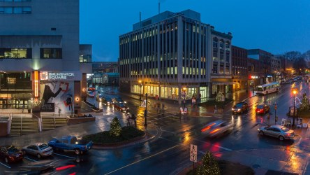 saint-john-photos-king-street-in-the-rain