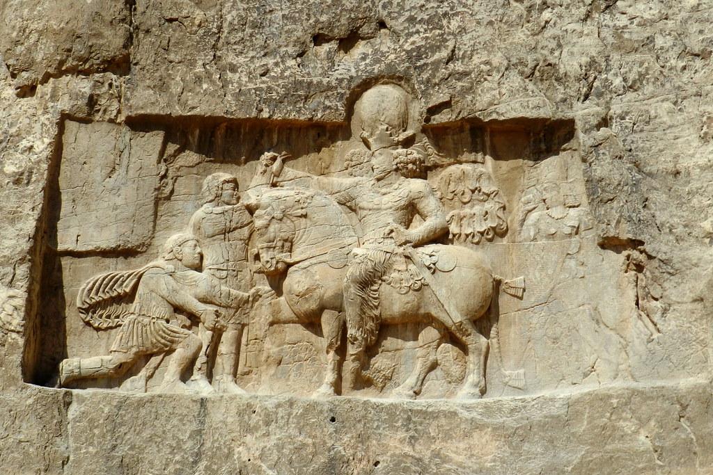 Naqsh-e Rostam bajorelieve Triunfo de Sapor I Irán 01