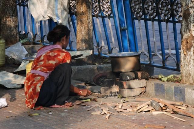 Kolkata_koditon_nainen