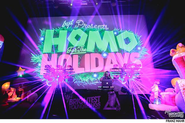 homo for the holidays-139