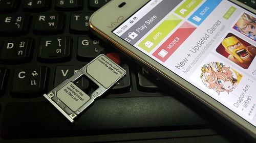 ถาดใส่ SIM card และ MicroSD card ของ Vivo X5