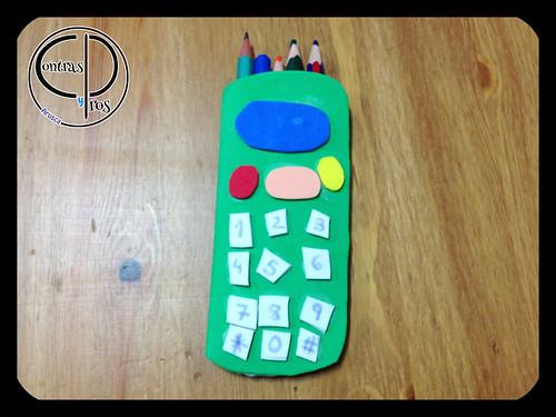 Estuche-teléfono de gomaeva, manualidades para niños