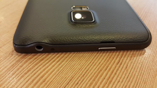 Samsung Galaxy Note Edge ด้านบน