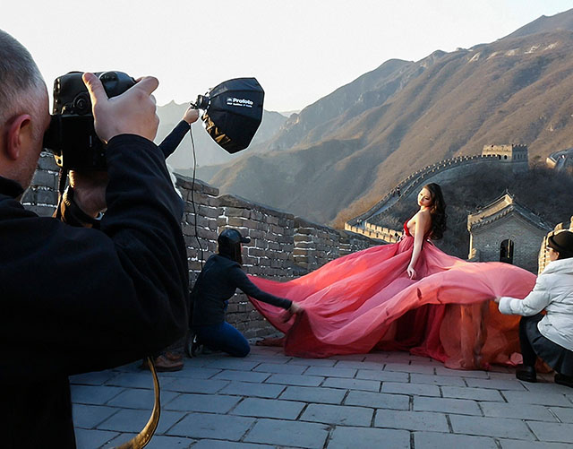 Profoto-B2-Off-Camera-Flash-On-to-Light-Shaping-with-Sal-Cincotta-BTS-11