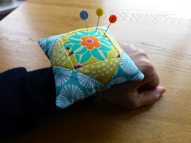 Wristlet Pin cushion tutorial