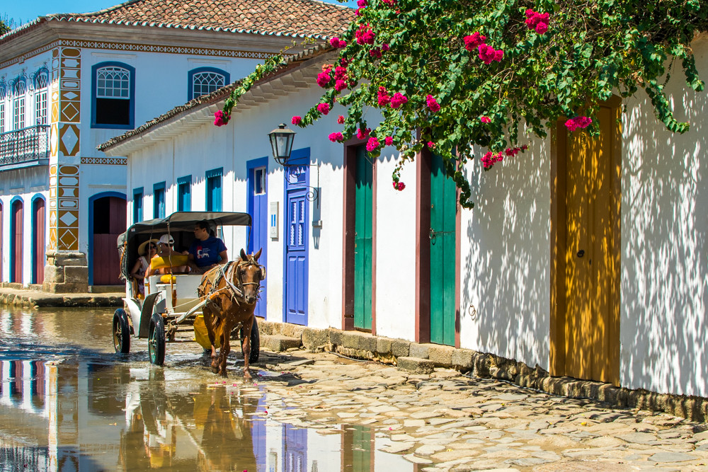 Horse carriage in Paraty