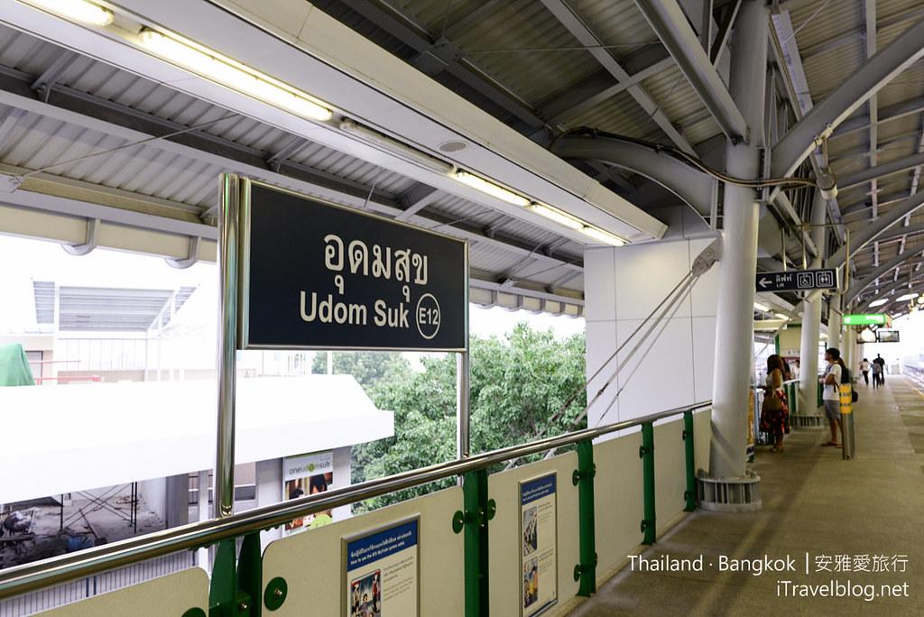 曼谷席娜卡琳火車鐵道夜市 Train Night Market Srinakarin 01