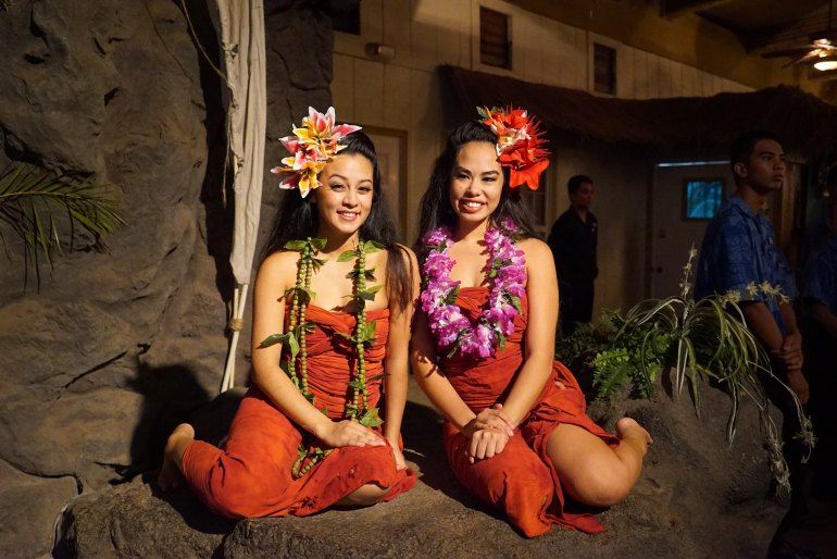 Experience the Luau Kalamaku and Buffet Dinner