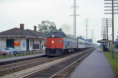 Amtrak at Morton Grove