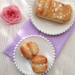 今日焼いたのは、 「バターフレーキー」 バターの折り込み作業、 みんな頑張りました( ´ ▽ ` )ノ  #パン #手作りパン #おうちパン #わかば工房 #wakabakobo #パン教室 #デニッシュ生地 #バターフレーキー