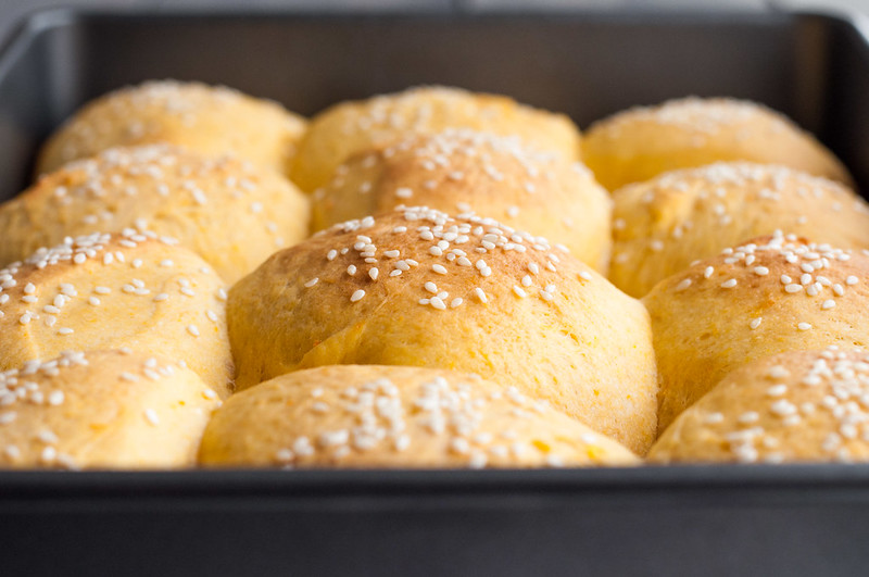 Fluffy sweet potato rolls (with step-by-step pictures)