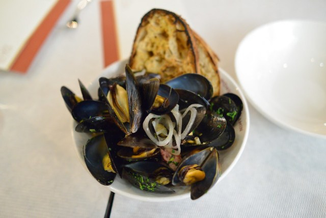Steamed Mussels MB Biere, Garlic Sausage
